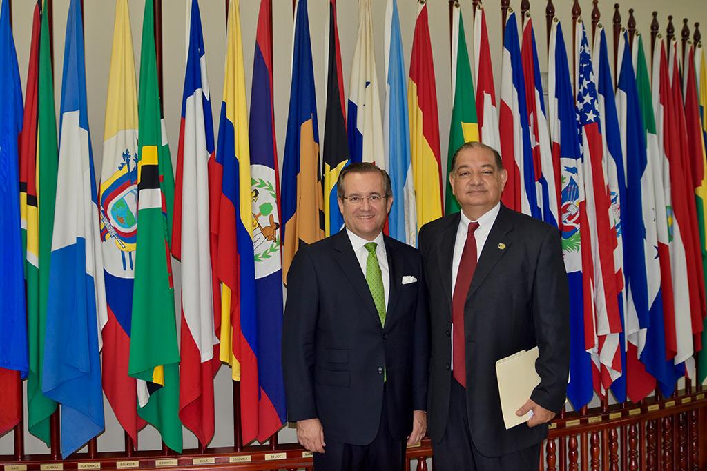 Firma entre Udelas de Panamá y Educaline
