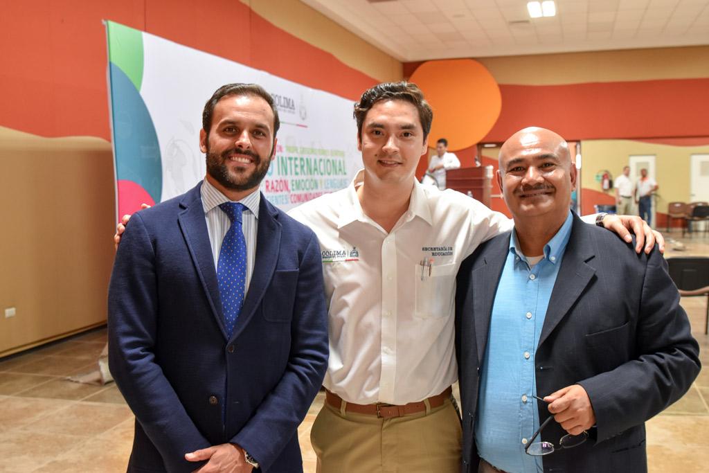 Representante de la SEP, Javier Pérez y Enrique Lepe